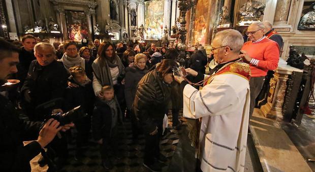 Miracolo laico di San Gennaro, il sangue si è sciolto
