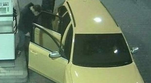 Sgominata banda di ladri: in manette famigliari autista Audi gialla
